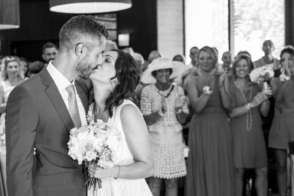 Coordination de mariage- Le baiser des mariés- Alliance Rêvée