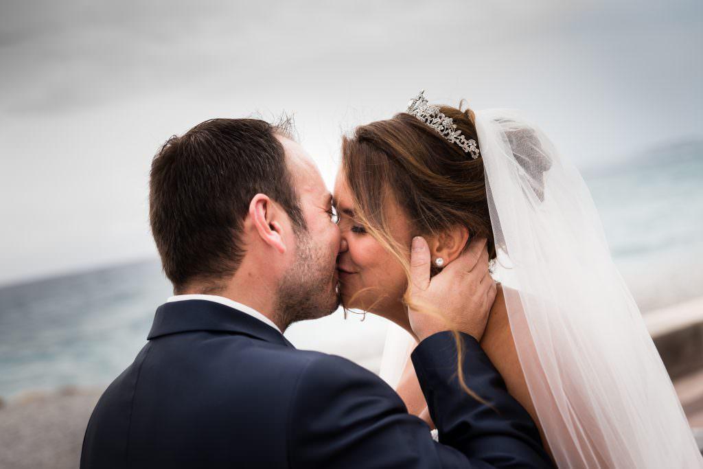 Mariage féerique - Baiser de mariés- Alliance Rêvée