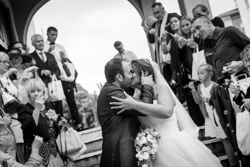 Mariage féerique - Sortis de mariés sous les bulles- Alliance Rêvée