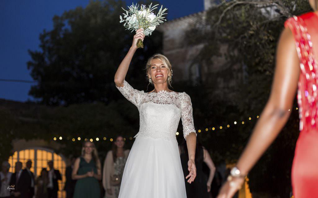 mariage provence- Lancer de bouquet- Alliance Rêvée
