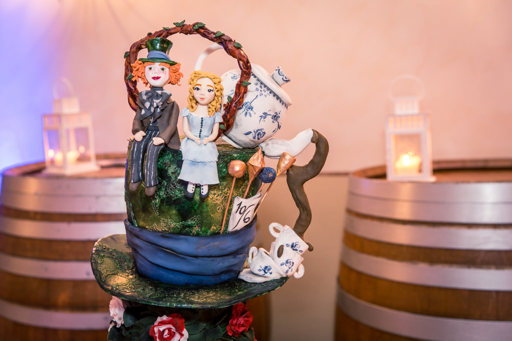 Wedding theme Alice in Wonderland- Wedding cake Vegan- Alliance Rêvée