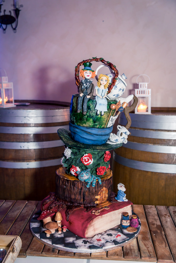 Vegan- Wedding Cake Alice in Wonderland- Alliance Rêvée