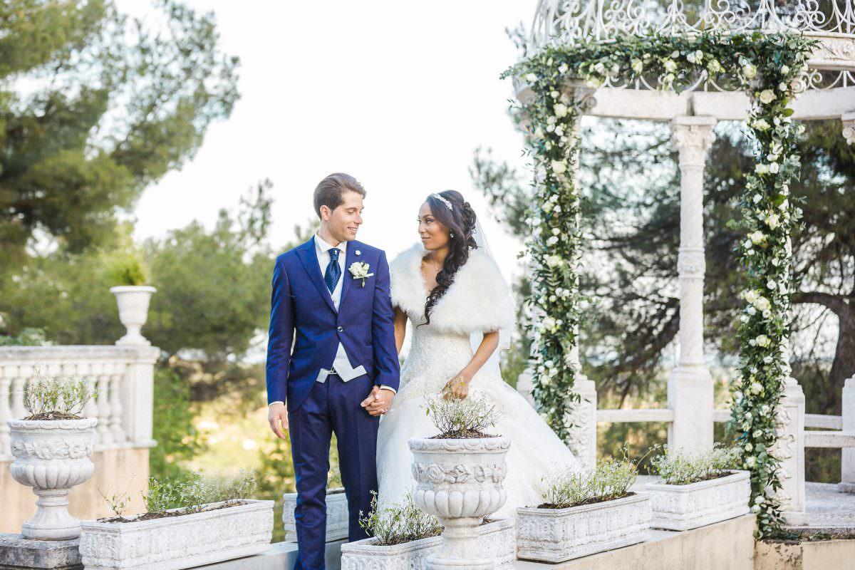 Mariés -Mariage dans un château de la Côte d'Azur - Alliance rêvée