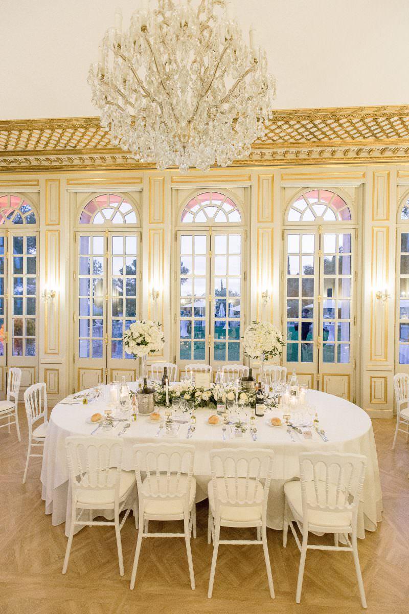 Table d'honneur dans la salle du château- Alliance rêvée