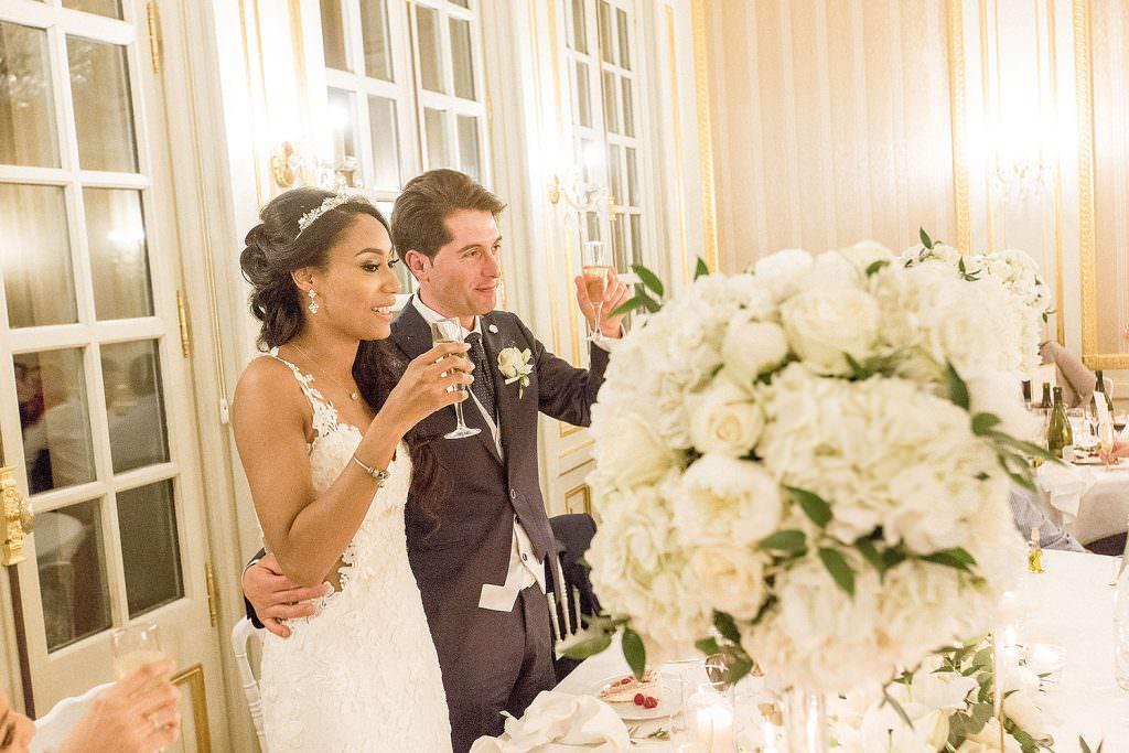 Toast au champagne des mariés- Alliance Rêvée