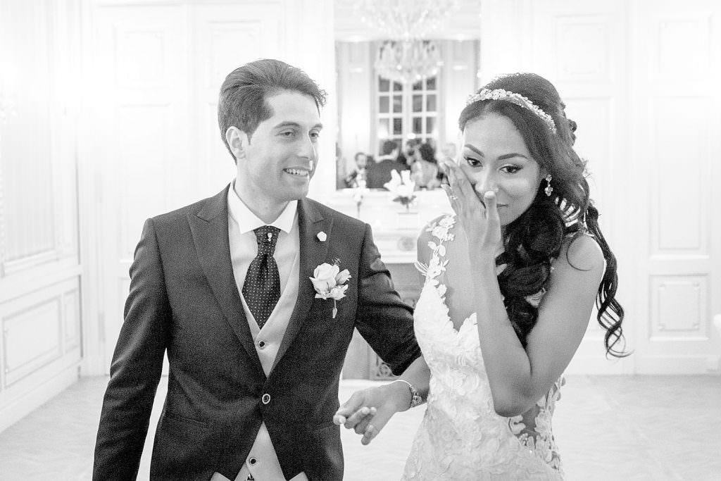 Emotions des mariés a leur entrée en salle- Alliance Rêvée