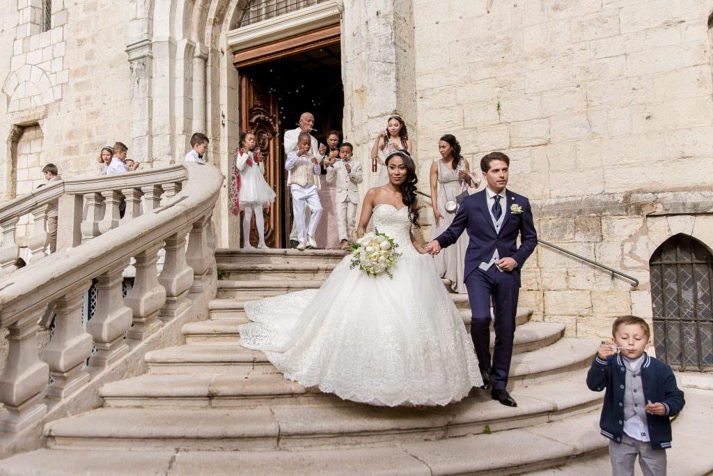 Sortie d'église mariage Grasse- Alliance Rêvée