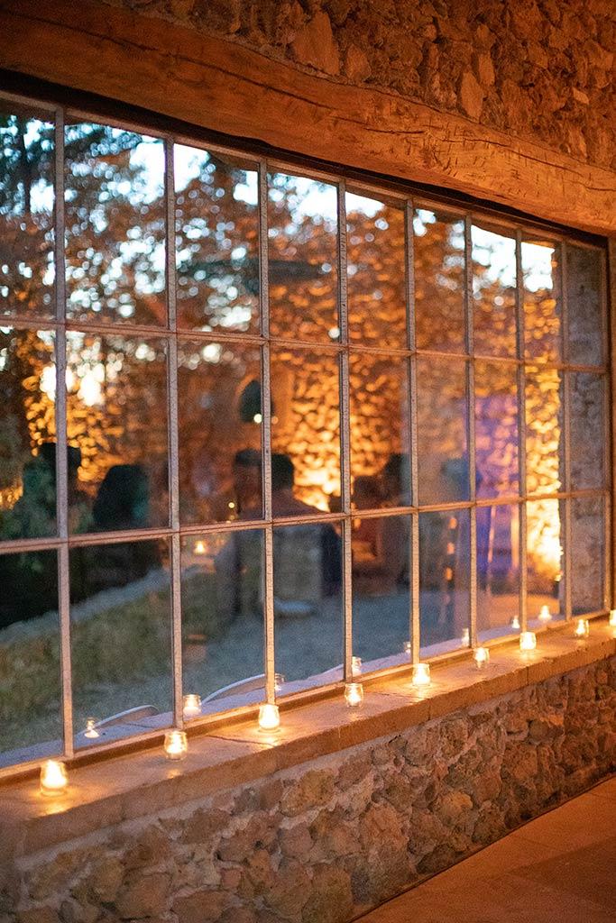 Mise en lumière romantique avec bougies- Mariage Mathilde et Julien