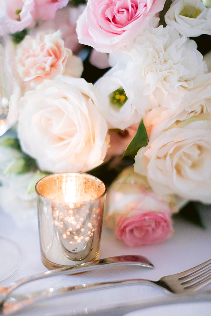 Golden touch - Romantic and flowery decoration - Destination wedding between the French Riviera and Provence