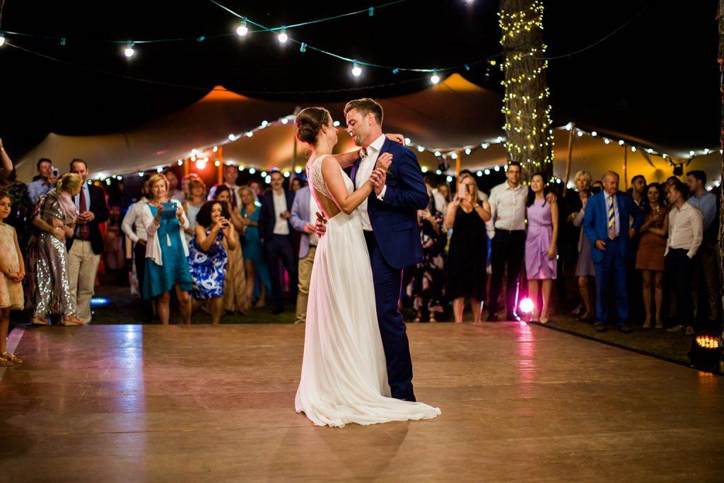 Mariage dans un propriété privée de Tourtour - Ouverture de bal de Margaux et William - Alliance Rêvée