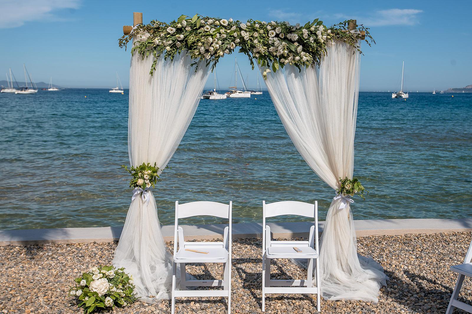 Mariage à la Mer - Chaise des mariés - Coralie et NicolasAlliance Rêvée
